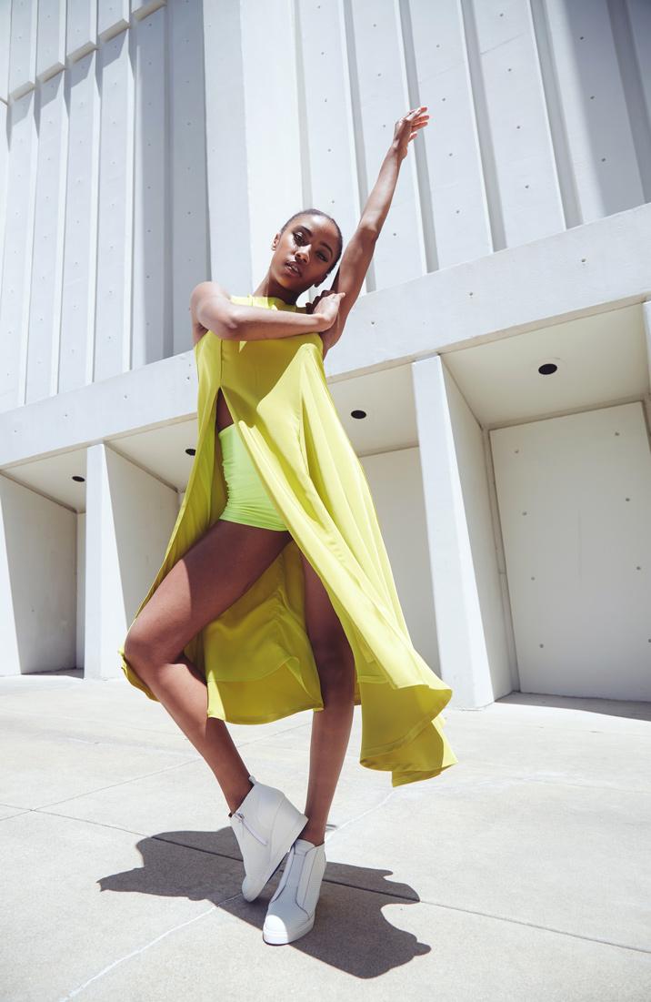 Estela-Fashion-Lookbook-Christina-Yother-SS19-5