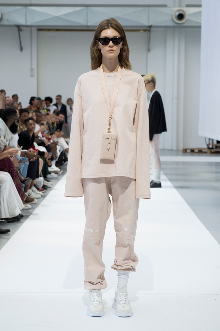 Estela-Fashion-MFW-IHNOMUHNIT-SS19-11