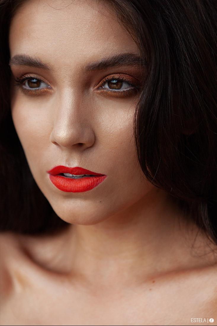 Estela-Beauty-Trends-Fall-Face-2019-Ashton-2