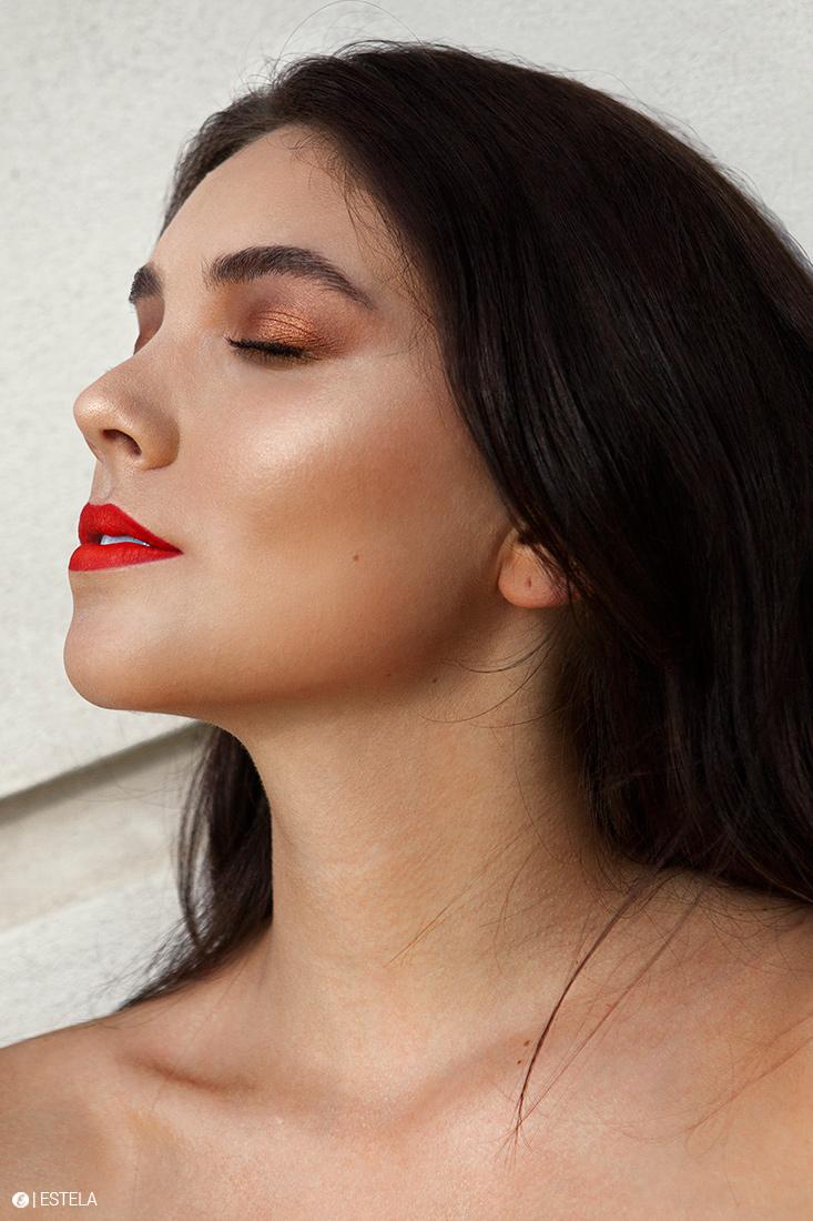 Estela-Beauty-Trends-Fall-Face-2019-Ashton-3