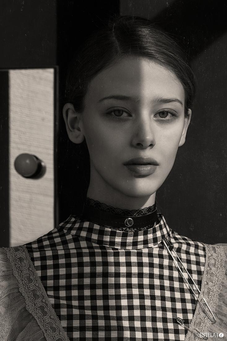 Estela-Fashion-Editorial-Submission-Yaroshevic-Konsuella-2